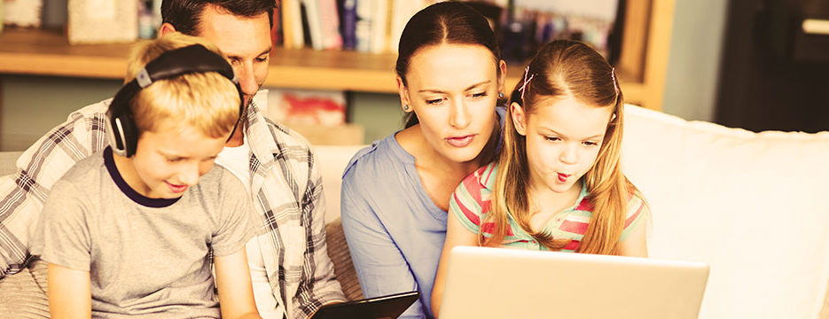 famille-tablette-960x360